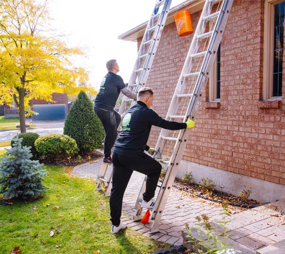 Eavestrough cleaning Thornhill